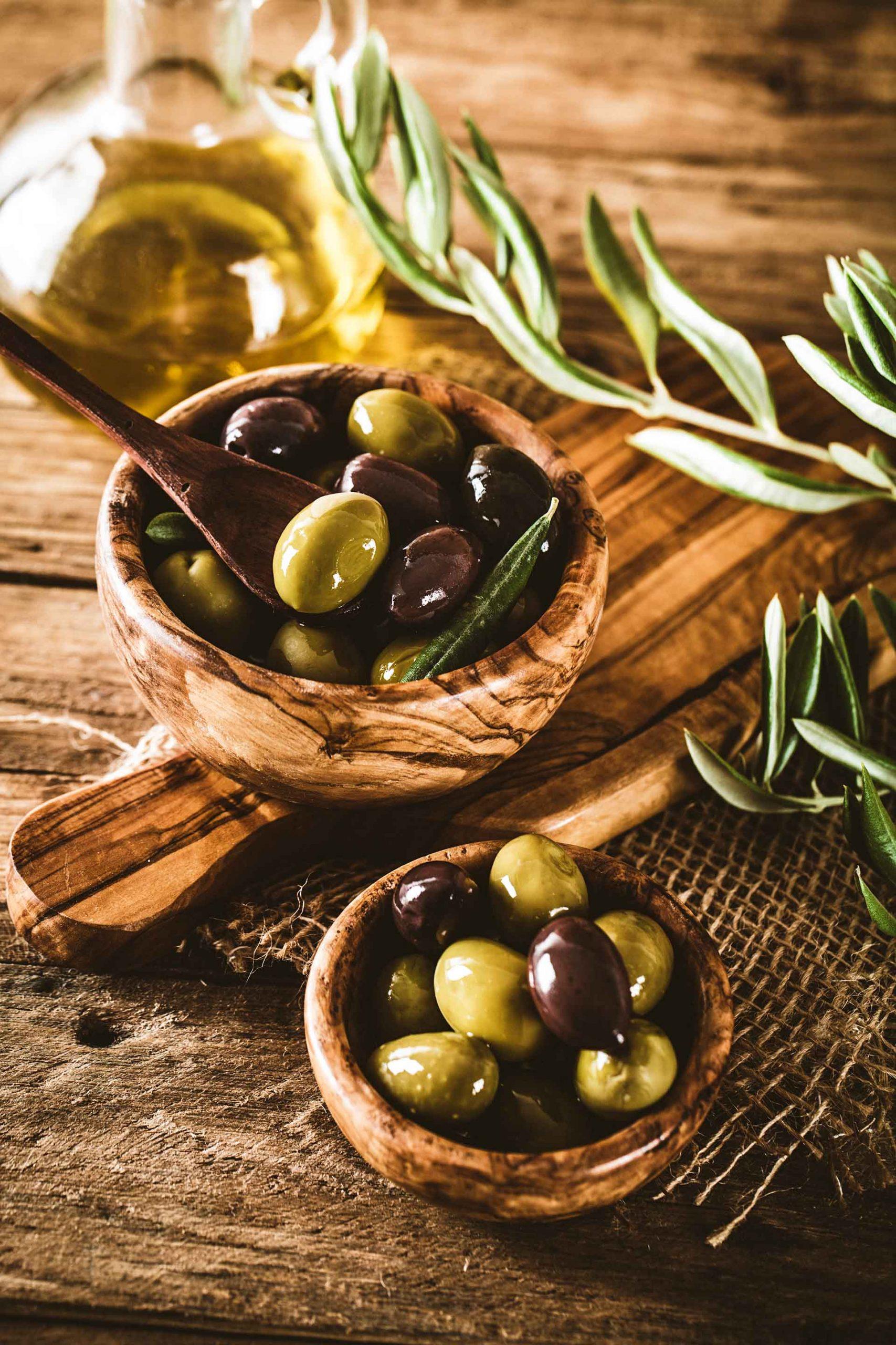 aceite y aceitunas